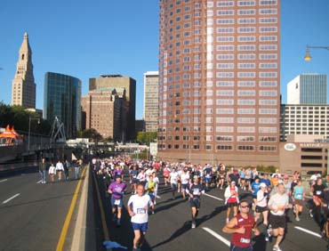 Hartford_Marathon_skyline